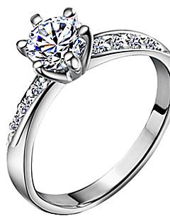 Kadın's Evlilik Yüzükleri Aşk Gelin Klasik kostüm takısı Zirkon Gümüş Kaplama Altı Tırnaklı Mücevher Uyumluluk Düğün Günlük