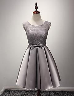 A-line תכשיט הצוואר אורך הברך סאטן השושבינה השמלה עם אבנט / סרט על ידי luoge