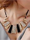 Pentru femei Coliere Choker Coliere Geometric Shape Aliaj Bijuterii Statement costum de bijuterii Bijuterii Pentru Petrecere