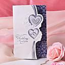 """hesapli Düğün Davetiyeleri-Üç Katlanır Düğün Davetiyeleri Davet Kartları Kalp Tarzı İnci Kağıdı 7 1/2 """"×6 1/4"""" (19*13.5cm)"""