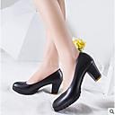 זול נעלי עקב לנשים-בגדי ריקוד נשים PU אביב / קיץ נוחות עקבים עקב עבה בוהן סגורה שחור / בז' / אפור
