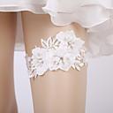 ราคาถูก ถุงเท้าสำหรับงานแต่งงาน-ลูกไม้ เกี่ยวกับเจ้าสาว Wedding Garter กับ มุก / ดอกไม้ สายรัด งานแต่งงาน / ปาร์ตี้