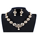 זול סטים של תכשיטים-בגדי ריקוד נשים לבן סטי תכשיטי כלה תגובת שרשרת פרח סגנון נתלה טרנדי אופנתי דמוי פנינה אבן נוצצת עגילים תכשיטים זהב עבור חתונה Party ארוסים מתנה 1set