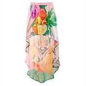 女性のプリント非対称スカート