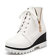 Mujer Zapatos PU Otoño / Invierno Botas de Combate Botas Tacón Plano Con Cordón Blanco / Negro / Rojo