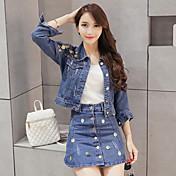 春韓国スパンコール長袖のデニムジャケット+シングルブレストハイウエストのスカートピース装着した女性に署名