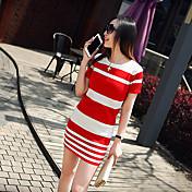 夏のツーピースのドレスは薄いストライプパッケージヒップスリム半袖ドレス小さな香りの風のスーツのスカートの女性でした