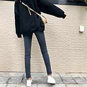 冬服に署名新しいスリムかなり薄い足洗いのジーンズの穴のジーンズ女性の韓国語バージョン