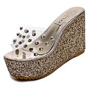 Mujer Zapatos PU Primavera / Verano Confort / botas slouch Sandalias Paseo Tacón Cuña Puntera abierta Dorado / Plata / Tacones de cuña