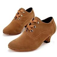 Χαμηλού Κόστους Buy 2 Get 20% Off-Γυναικεία Μοντέρνα παπούτσια Σουέτ Τακούνια Χαμηλό τακούνι Μη Εξατομικευμένο Παπούτσια Χορού Μαύρο και Κόκκινο / Καφέ