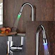 Nykyaikainen Ulosvedettävä / pull-down Pöytäasennus LED Keraaminen venttiili Yksi reikä Yksi kahva yksi reikä Kromi , Kitchen Faucet