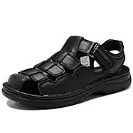 preiswerte -Herrn Schuhe Nappaleder Frühling Sommer Herbst Komfort Sandalen Wasser-Schuhe für Normal Draussen Kleid Schwarz Hellbraun