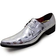 baratos Sapatos de Tamanho Pequeno-Homens Sapatos formais Couro Envernizado Primavera / Outono Oxfords Preto / Prata / Festas & Noite / Sapatos de vestir