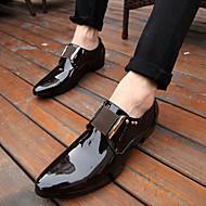 baratos Sapatos Masculinos-Homens Sapatos de vestir Couro Sintético Primavera / Outono Oxfords Caminhada Antiderrapante Preto / Castanho Escuro / Casamento / Festas & Noite