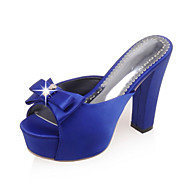 baratos Sapatos de Tamanho Pequeno-Mulheres Sapatos Flanelado Primavera / Verão Salto Robusto Laço Preto / Vermelho / Azul / Casamento / Festas & Noite / Festas & Noite