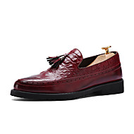 Bărbați Pantofi PU Primăvară Vară Toamnă Iarnă Confortabili Pantofi formale Mocasini & Balerini Franjuri Pentru Casual Negru Rosu Maro
