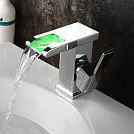 billige Rabatt Kraner-Baderom Sink Tappekran - Foss / LED Krom Centersat Enkelt Håndtak Et Hull