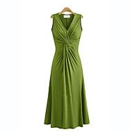 Dame Plusstørrelser Swing Kjole - Ensfarvet, Krøllede Folder V-hals