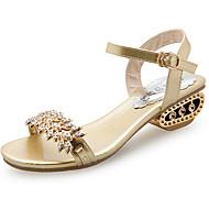 Damer Sko PU Sommer Komfort Sandaler Flad hæl Rund Tå Perlearbejde Til Afslappet Guld Sort Sølv
