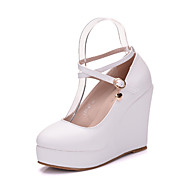 cheap Women's Heels-Women's Shoes PU Spring Fall Comfort Novelty Heels Round Toe Crystal Pearl Appliques for Wedding Party & Evening White Black