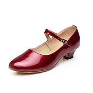 baratos Sapatilhas de Dança-Mulheres Sapatos de Dança Moderna Couro Sintético Salto Presilha Salto Cubano Sapatos de Dança Preto / Prata / Vermelho Escuro