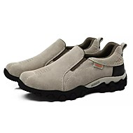 tanie Obuwie męskie-Męskie Buty Zamsz Wiosna Jesień Comfort Mokasyny i pantofle na Na wolnym powietrzu Gray Brown Light Grey