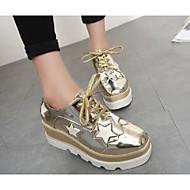 tanie Obuwie damskie-Damskie Obuwie Skóra patentowa Wiosna Jesień Comfort Oksfordki Creepersy na Casual Gold Black Silver