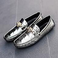 baratos Sapatos Masculinos-Homens Mocassim Couro Envernizado / Couro Ecológico Verão Mocassins e Slip-Ons Branco / Preto / Roxo