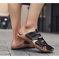 baratos Sapatos Masculinos-Homens Sapatos Confortáveis Couro Sintético Verão Chinelos e flip-flops Branco / Preto / Marron