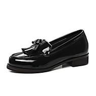 tanie Obuwie damskie-Damskie PU Wiosna Mokasyny i buty wsuwane Masywny obcas Biały / Czarny / Burgundowy