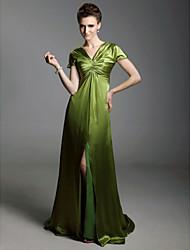 baratos -Tubinho Decote V Cauda Escova Charmeuse Estilo Celebridade Evento Formal Vestido com Drapeado Lateral / Fenda Frontal de TS Couture®