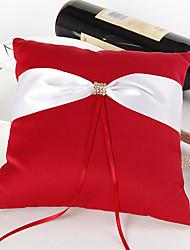 Bague coussin de mariage rouge vif avec cérémonie de mariage en ceinture ivoire