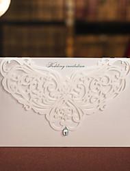 Недорогие -Номера для персонализированных Верхний сгиб Свадебные приглашения Цветочный стиль Розовая бумага 16,6*11,5 см Стразы