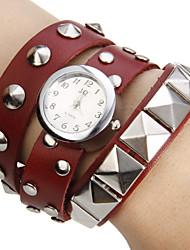 Women's Little Round Dial Rivet Pu Band Quartz Analog Bracelet Watch (Assorted Colors) Cool Watches Unique Watches Fashion Watch