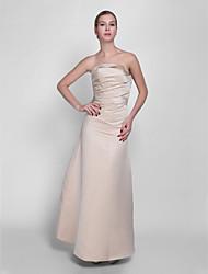 Vestido de dama de honra de cetim sem alças com uma linha de strapless com colcha lateral
