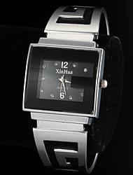 Недорогие -Жен. Часы-браслет Кварцевый Повседневные часы сплав Группа Аналоговый Кольцеобразный Мода Серебристый металл Два года Срок службы батареи / SOXEY SR626SW