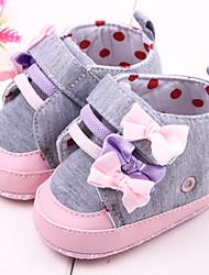 baratos -Bebê Para Meninas sapatos Tecido Primavera Outono Primeiros Passos Conforto Rasos Botas Curtas / Ankle Laço para Casual Ao ar livre Social