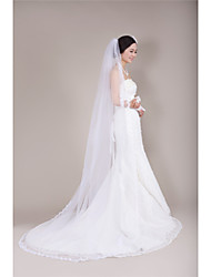 cheap -One-tier Lace Applique Edge Wedding Veil Chapel Veils With Applique Tulle