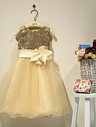 Une ligne de thé longueur robe fille fleur - satin sans manches chérie avec perles