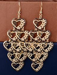 Viseće naušnice Ljubav Više slojeva Legura Heart Shape Pink Zlatan Jewelry Za Vjenčanje Party Dnevno Kauzalni 2pcs