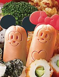 dessin animé souris saucisses coupe moule avec des pics bento maker