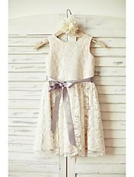 gaine / colonne longueur de genou robe de fille fleur - lacet à encolure en satin sans manches avec ruban par thstylee