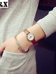 baratos -Mulheres Relógio de Moda Venda imperdível Couro Banda Amuleto Preta / Branco / Marrom