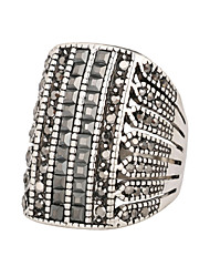 abordables -Femme Bague Strass Argent Strass Imitation Diamant Alliage Luxe Quotidien Décontracté Bijoux de fantaisie
