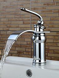 Недорогие -Ванная раковина кран - Водопад Хром Настольная установка Одной ручкой одно отверстие
