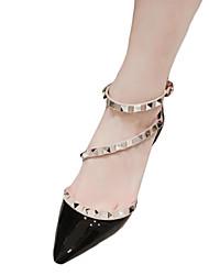 preiswerte -Damen Schuhe PU Herbst Komfort High Heels Stöckelabsatz Niete für Normal Weiß Schwarz Hautfarben