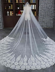 cheap -One-tier Lace Applique Edge Scalloped Edge Wedding Veil Cathedral Veils With Lace Tulle