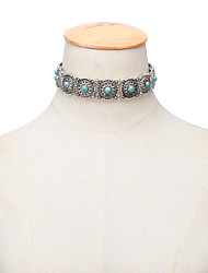 Women Turquoise Metal Flower Collar Fashion Exaggerated Retro National Style Short Necklace 1pc