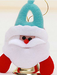 regali di Natale su decorazioni natalizie l'albero di Natale modello è casuale