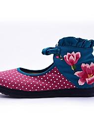 baratos -Mulheres Sapatos Lona Primavera Verão Sapatos bordados Botas da Moda Conforto Rasos Caminhada Sem Salto Ponta Redonda Colchete Flor para